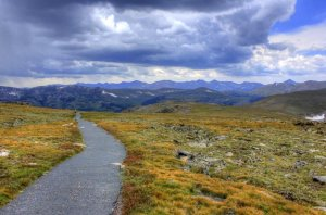 colorado-rocky-mountains-national-park-nature-path_w875_h578