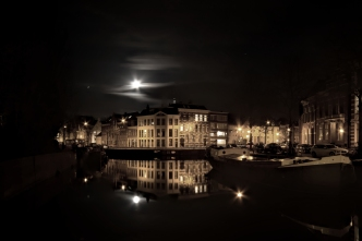Night-reflection-free-license-CC0